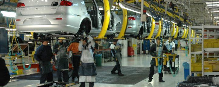 Conoce la evolución del clúster automotriz en Ecuador