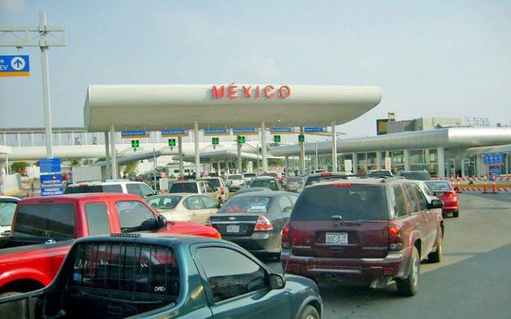 Estadounidenses compran en México